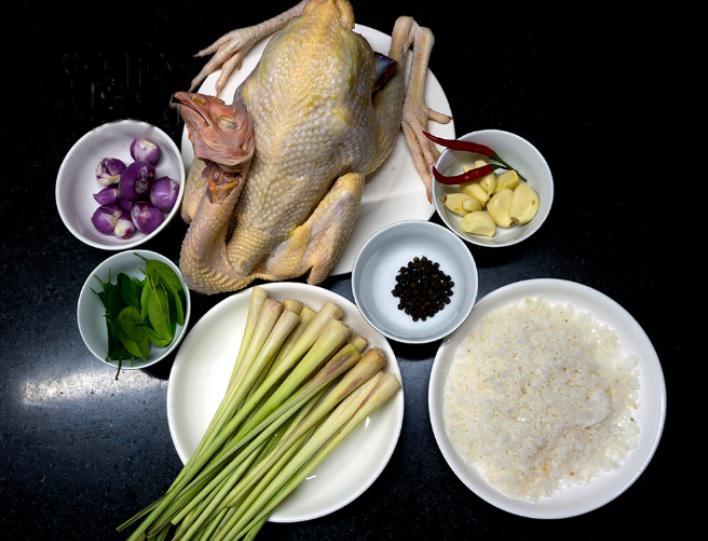 Nguyên liệu chính cần chuẩn bị cho món gà hấp muối