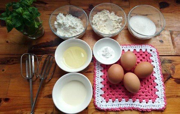 Những nguyên liệu cần chuẩn bị khi làm bánh bông lan trứng muối sốt phô mai