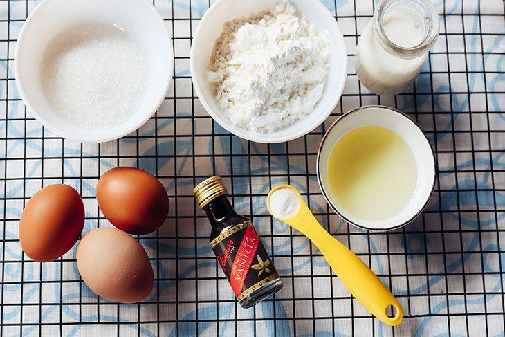 Những nguyên liệu cần chuẩn bị khi làm bánh bông lan bằng nồi cơm điện