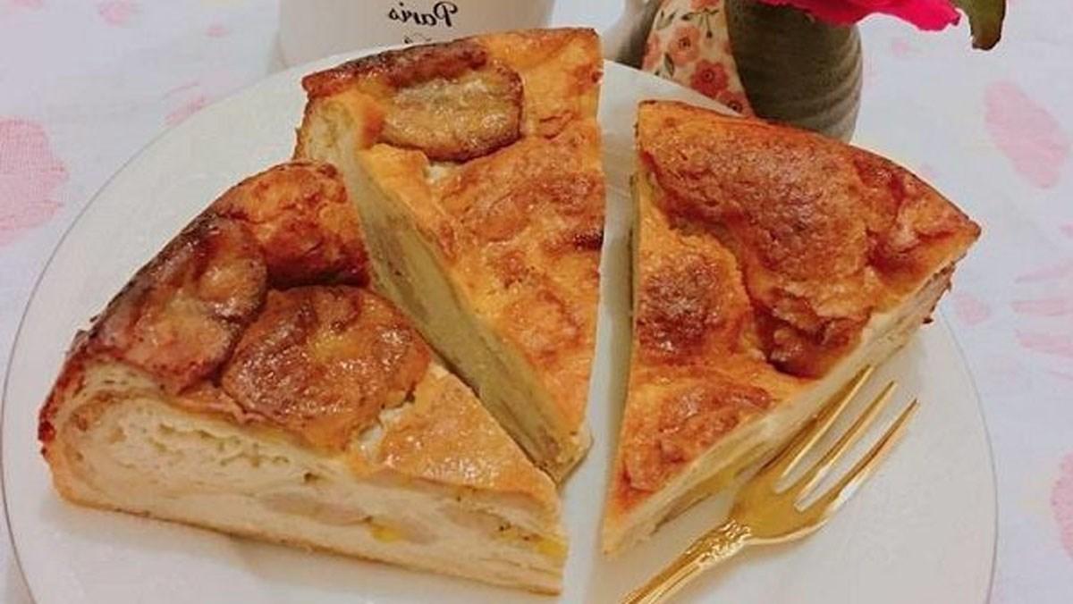 Bánh bông lan chuối làm bằng nồi chiên không dầu không tạo cảm giác béo ngậy
