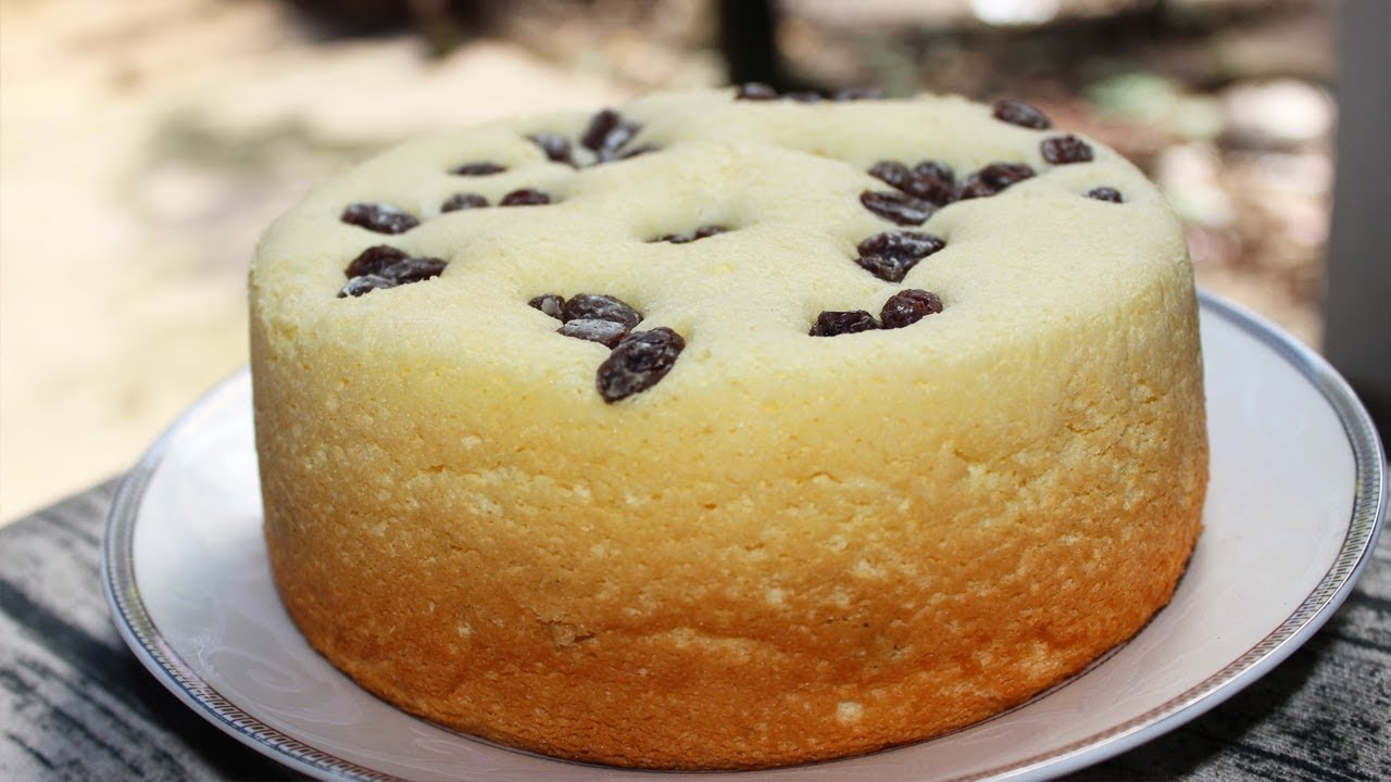 Bạn hoàn toàn có thể làm bánh bông lan nho bằng nồi cơm điện chỉ với các bước vô cùng đơn giản