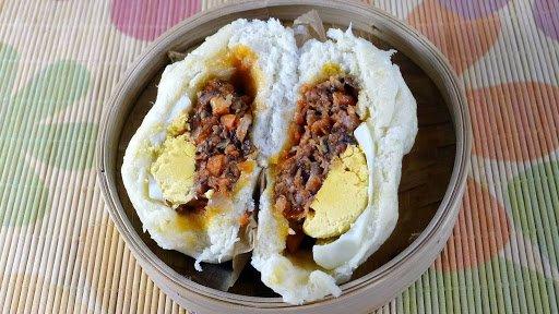 Bánh bao nhân thịt truyền thống nổi tiếng với hương vị thơm ngon, béo béo, bùi bùi