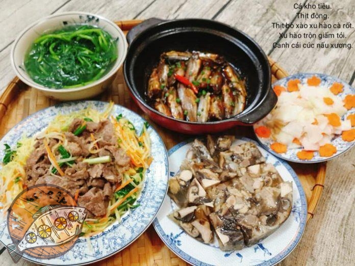 canh cải cúc nấu xương, xu hào cà rốt trộn giấm tỏi, thịt bò xào xu hào cà rốt, thịt nấu đông, cá kho tiêu