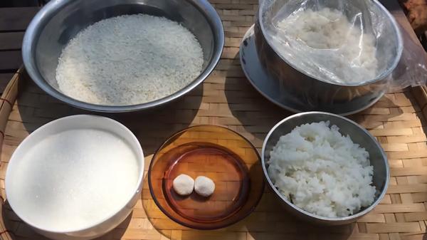 Nguyên liệu cần chuẩn bị để làm bánh bò truyền thống đơn giản