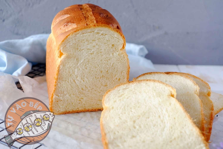 Chọn bánh mì sandwich mới, mềm mịn