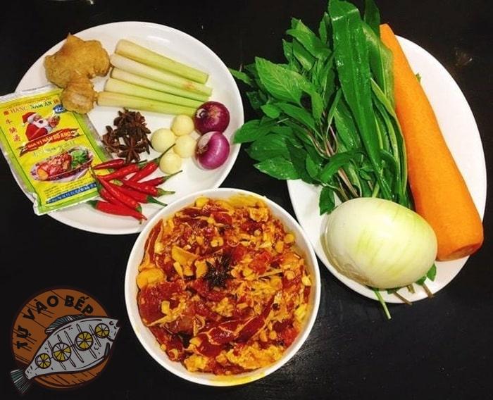 Sơ chế nguyên liệu nấu bò kho cà rốt
